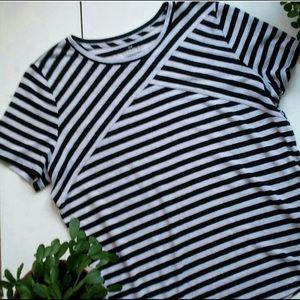 Talbots women's linen blend striped Tee